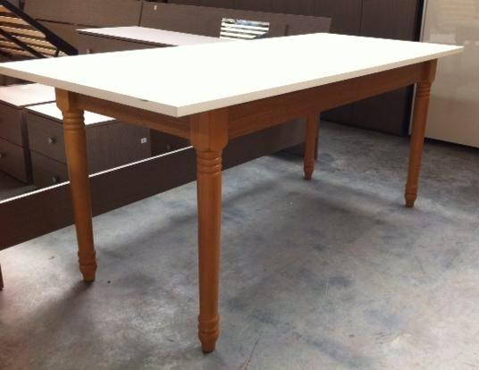 Stock tavoli da cucina tavoli sedie for Arredamento stock
