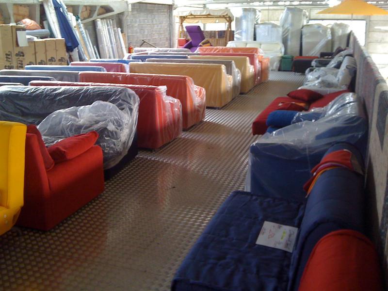 Stock divani nuovi imballati divani poltrone for Stock arredamento