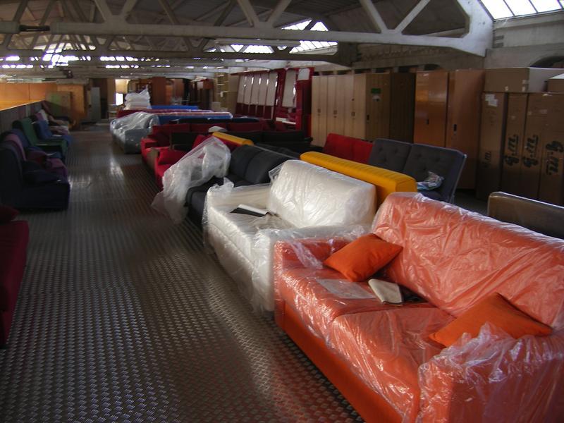 Divani Di Pelle : Stock divani nuovi imballati poltrone