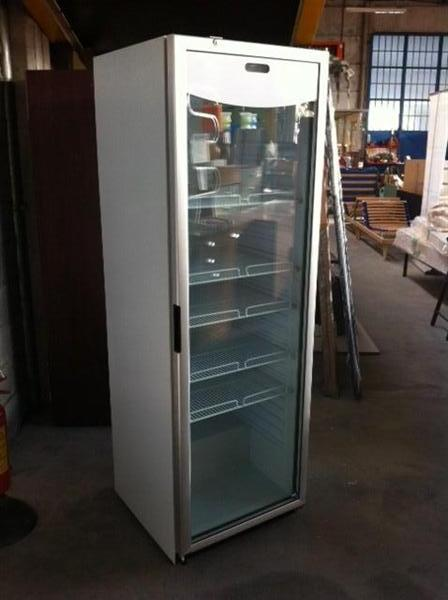 Vendute vetrine frigo arredo negozi comfal for Frigo arredo