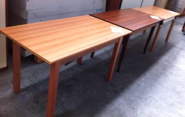 Stock tavoli da cucina tavoli sedie - Tavoli pieghevoli da cucina ...