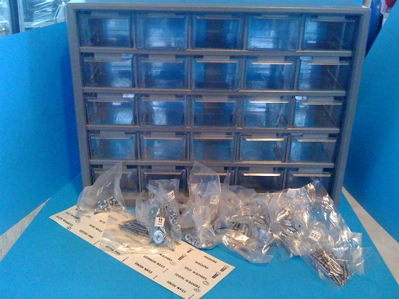 Cassettiere In Plastica Per Minuterie.Stock Lotto Cassettiere Per Minuteria Da 25 Cassetti Stock Per